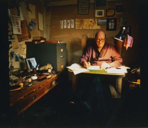 Roald-Dahl-in-writing-hut